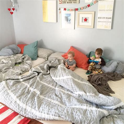 Family Bedroom by Best 25 Family Bed Ideas On Closet Bed