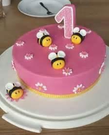 Baby Mit 1 Jahr : die besten 17 ideen zu torte 1 geburtstag auf pinterest kuchen 1 geburtstag kuchen 1 ~ Markanthonyermac.com Haus und Dekorationen