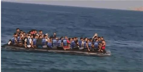 Syrian Refugees Boat by Governments Give Migrants A Disastrous Mix Of Social