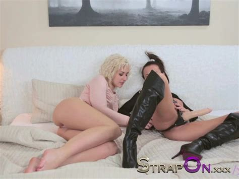 Strapon Lesbian Strap On Dildo Love Making With Blonde And