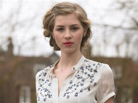 Hermione Corfield – Biography, Height and Family Details