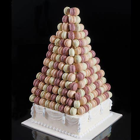 pyramide de macarons  pour decorer  buffet