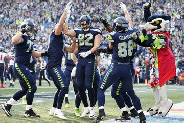 luke willson pictures  images zimbio