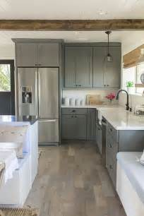 kraftmaid kitchen island 30 grey kitchens that you ll never want to leave digsdigs