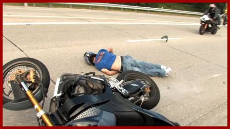 Motorcycle Accident Stunt Rider Knocks Himself Out Stunt