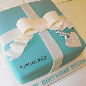 clean crisp lid   tiffany box cake