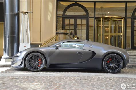 Here is the 2015 bugatti veyron review that covers everything from specs, interior, exterior, features to safety. Bugatti Veyron 16.4 Super Sport - 4 August 2015 - Autogespot
