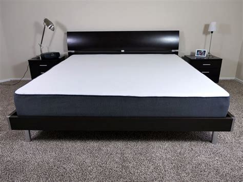 King Bed Frame And Mattress by 1000 Ideas About King Size Mattress On King