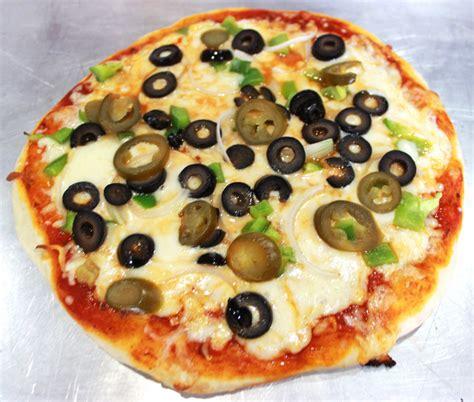 thick crust pizza dough recipe thick crust pizza recipe treasure