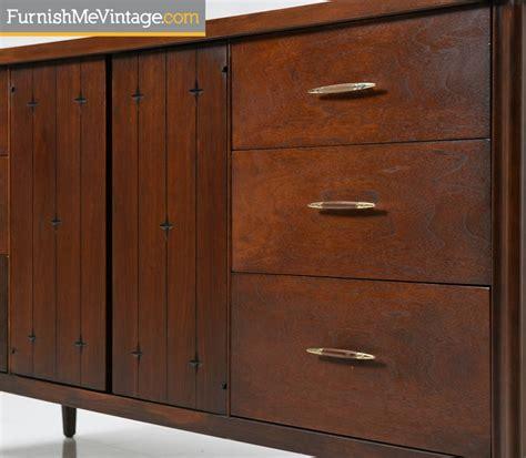 Broyhill Saga Credenza by Broyhill Saga Dresser Credenza Restored Mid Century Modern