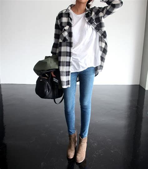 What To Wear With A Flannel Shirt 2021