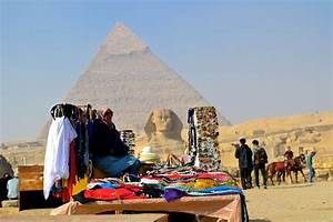Tourists return to Egypt after three years of turbulence ...