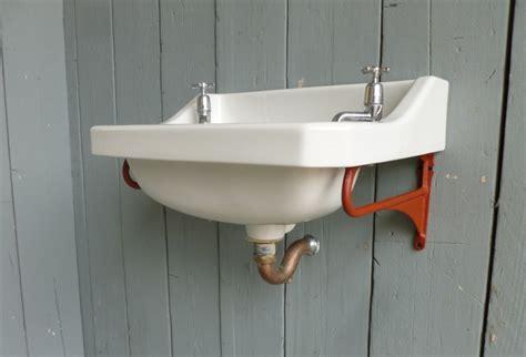 Art Deco Bathroom Sink With Brackets