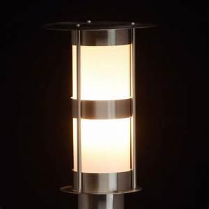 Lampe D Extérieur : lampe d 39 ext rieur sur pied en m tal street ~ Teatrodelosmanantiales.com Idées de Décoration