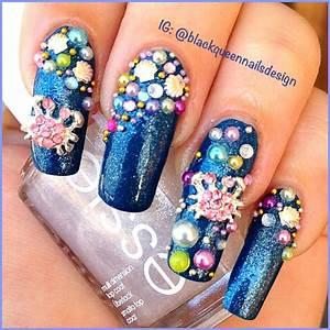 Crab and sea shell nail art | Roamin Goddess | Pinterest ...