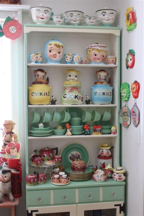 kitsch kitchen accessories field trip to doreen s house vintage kitchen kitsch and 3582