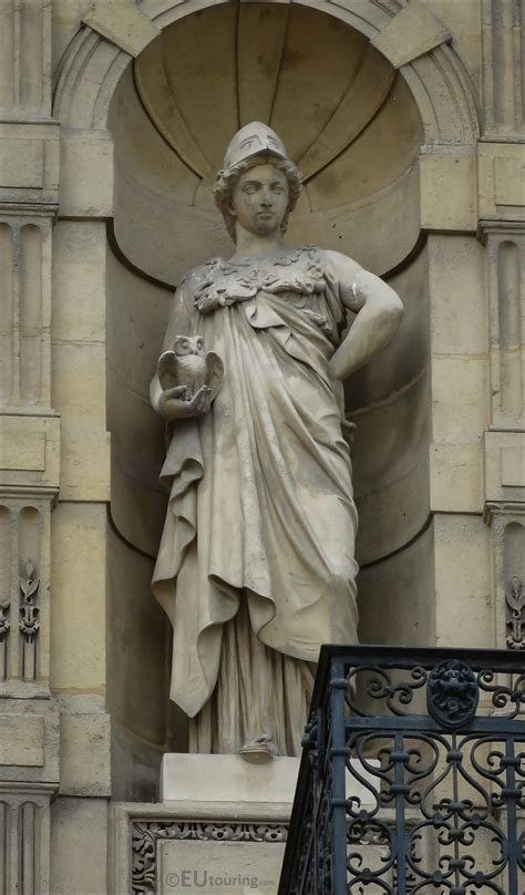 Photos of Minerve statue at Musee du Louvre - Page 406