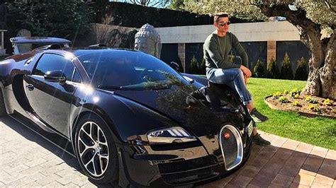 No es ningún secreto que cr7 es un amante de los coches más exclusivos. Cristiano Ronaldo Pamer Supercar Bugatti Chiron   momobil.id