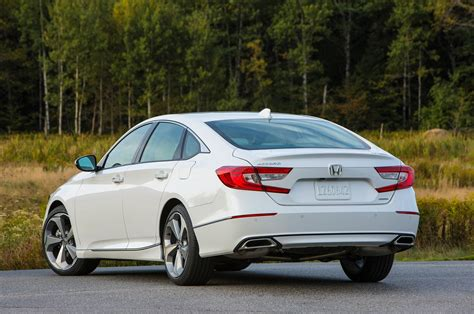 2018 Honda Accord 15t Vs 2018 Toyota Camry 25 Comparison