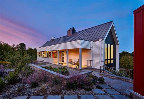 Modern Farmhouse By Wiedemann Architects