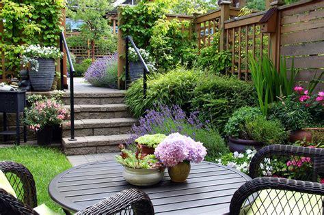 Trädgårdsinspiration För Dig Som Planerar Att Anlägga En Liten Trädgård