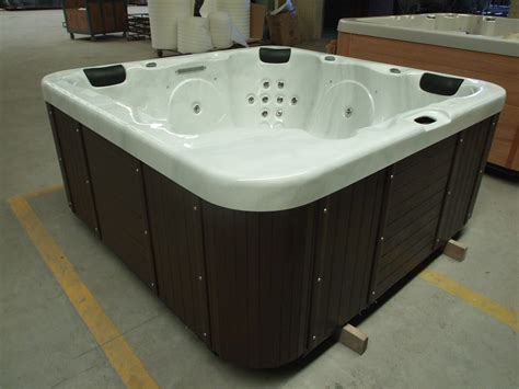 Hot Sale Square Outdoor Freestanding Portable Whirlpool