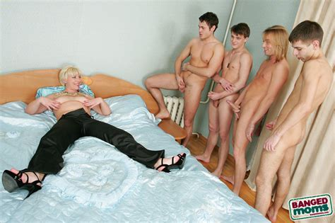 hot Milf Is Joined In Bed By Four Younger Studs Who polish And Creampie Her Ever Pichunter