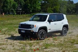 Jeep Renegade Trailhawk : test drive review 2015 jeep renegade trailhawk recensione jeep renegade youtube ~ Medecine-chirurgie-esthetiques.com Avis de Voitures