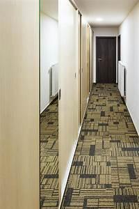 Meuble Couloir étroit : couloir troit avec la garde robe int gr e de miroir image stock image du moderne miroir ~ Teatrodelosmanantiales.com Idées de Décoration