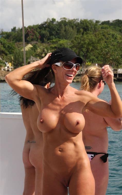Naked Mature Hottie Jholt