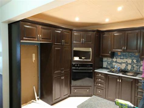 transformer sa cuisine restaurer sa cuisine transformer ses armoires modifier