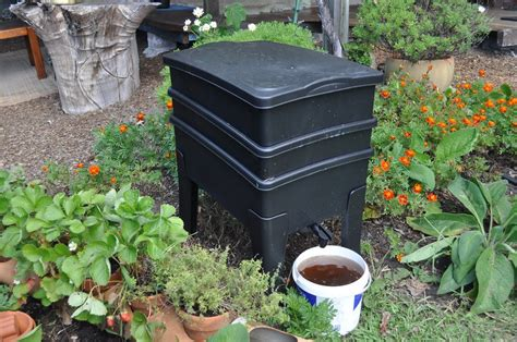 Backyard Worm Farm how to make and use compost palmers garden centre