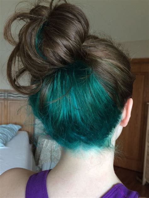 Hair With Color Underneath by Best 25 Blue Hair Underneath Ideas On Dyed