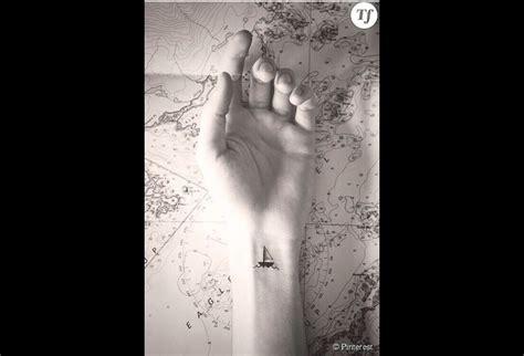 Idée De Tatouage Sur Le Poignet  Un Bateau Terrafemina
