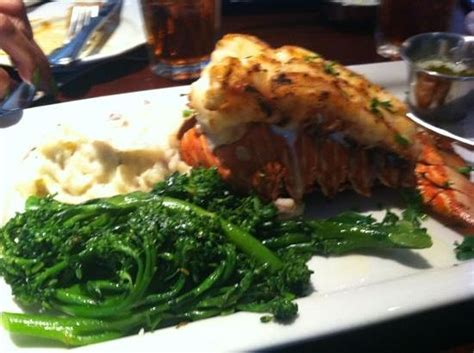 caribbean lobster tail  broclinni  red mashed potatoes picture  pappadeaux seafood