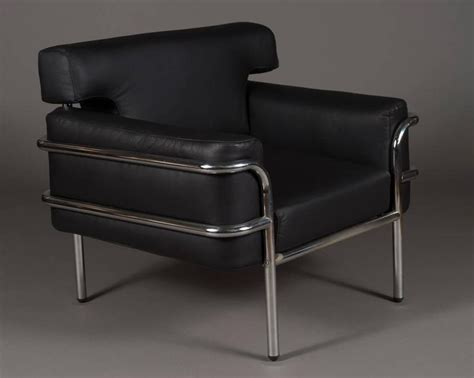 Pair Of Iconic Vintage Le Corbusier Style Black Leather Club Chairs For Sale At 1stdibs Flip Sofa Sleeper Chair How To Reupholster Seat Reserved Signs For Chairs Template American Salon Gaming Short Person Orange Adirondack Modern Swivel Lounge Microfiber Recliner Covers