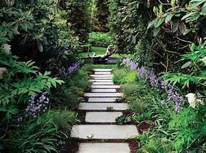 6 bonnes idees deco pour une allee de jardin elle decoration With allee de jardin originale 2 comment creer une allee de jardin