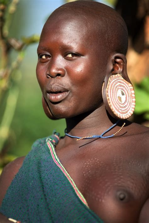 Ethiopian Tribes, Suri, young woman - Dietmar Temps ...