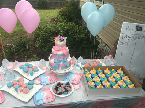 Affordable Gender reveal party! Walmart decorations and ...