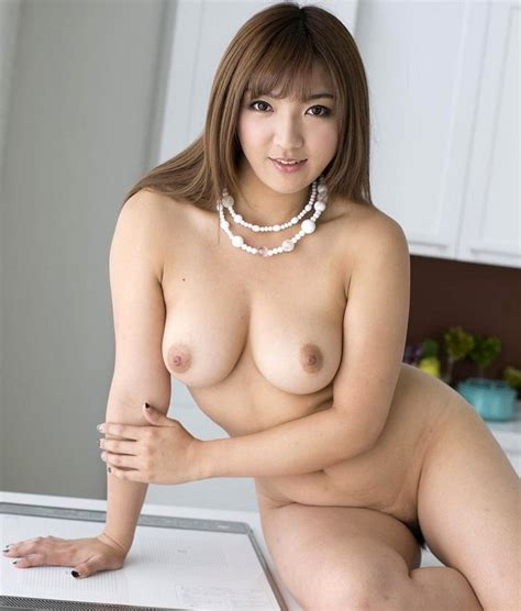 Shiori Kamisaki Beautiful Japanese Av Hot Models Gallery