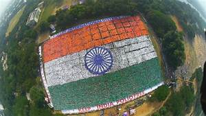 Photos : Largest Human Flag - My Flag My India Pictures ...