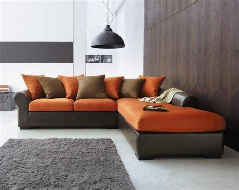 canapé couleur tapis gris salon qui rend l 39 atmosphère élégante et moderne