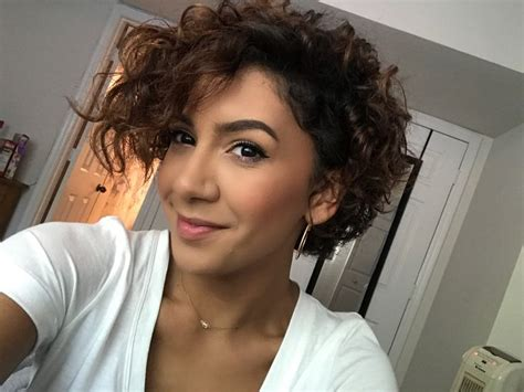 Best 25+ Curly Pixie Cuts Ideas On Pinterest