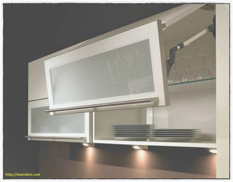 hauteur meuble haut cuisine emejing meuble haut gris cuisine avec porte vitree 2