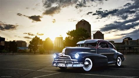 Classic Car Wallpaper Setting by Retro Classic Cars Buildings Cities Sunset Sky Clouds