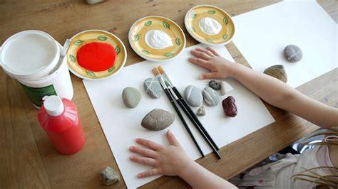 steine bemalen mit acrylfarbe steine bemalen