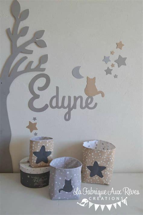 chambre bébé beige et blanc décoration chambre bébé taupe gris beige blanc étoiles