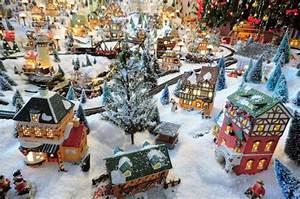 Personnage Pour Village De Noel : d coration de noel maison miniature ~ Melissatoandfro.com Idées de Décoration