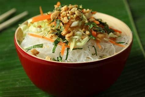 cours de cuisine à offrir recette de salade de vermicelle de riz au citron vert et à la cacahuète facile et rapide