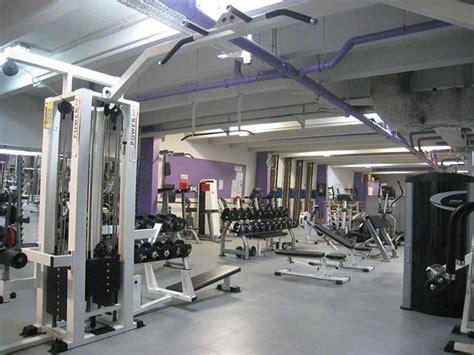 salle de fitness tunis sol salle sport musculation contact dalle sol pvc une activit 233 apara